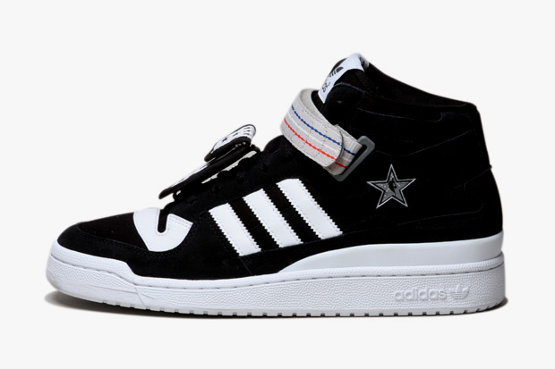 "Undefeated x NBA All-Star Game x adidas Originals ""All Star 2011"" Forum Mid"