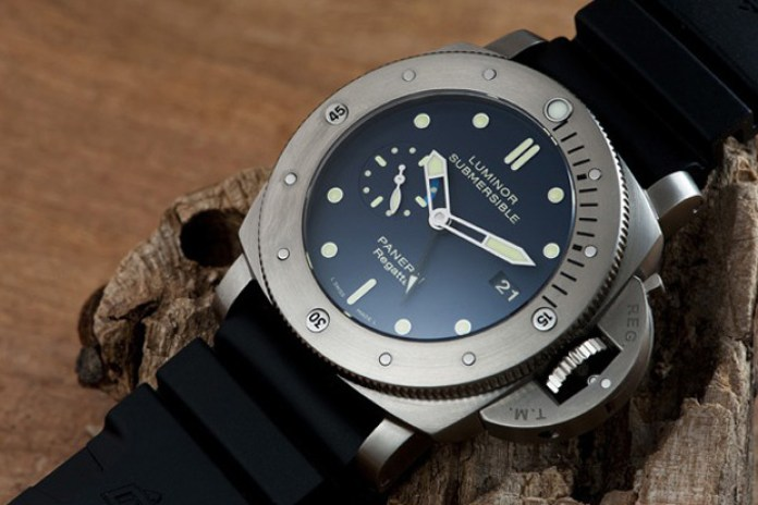 Panerai Luminor Submersible PAM 371