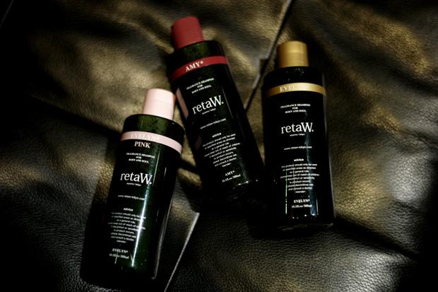 retaW AMY*, EVELYN* & EVELYN* Pink Body Shampoo