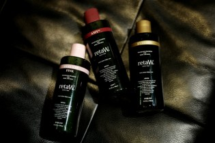 retaW AMY*, EVELYN* & EVELYN* Pink Body Shampoo