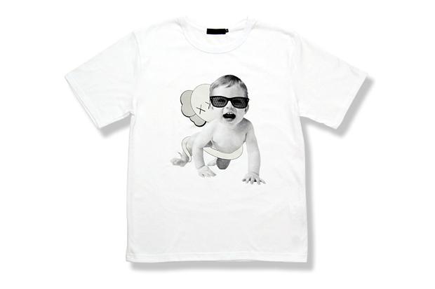 originalfake baby crawling t shirt