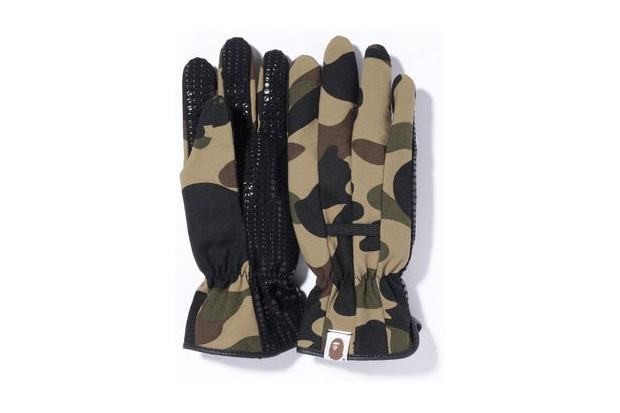 A Bathing Ape 1st Camo Garden Gloves