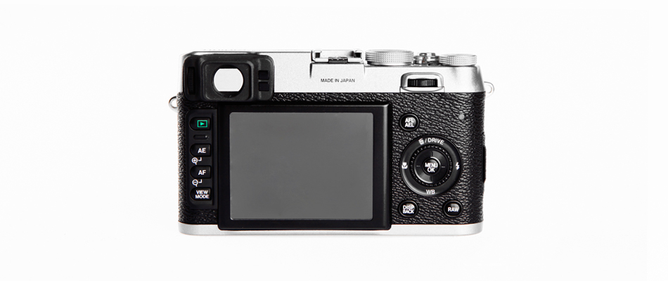 FUJIFILM X100: A Welcomed Hybrid