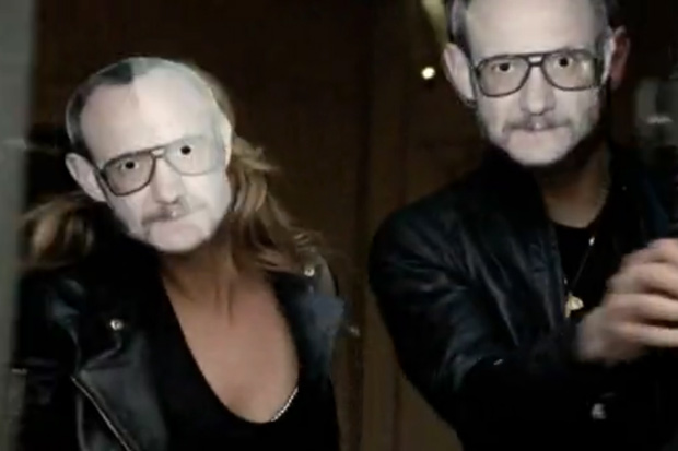 """MANGO """"The Great Escape"""" Commercial featuring Kate Moss and Terry Richardson"""