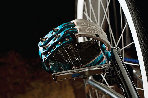 vince felix for us versus them leather pedal straps
