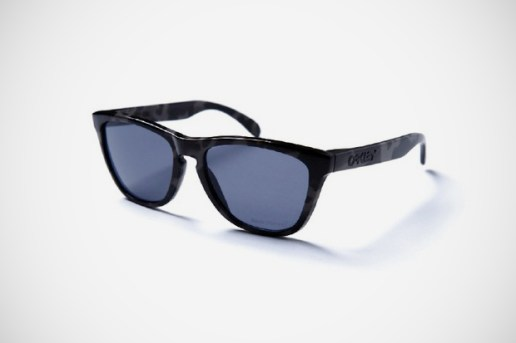 Back Channel x Oakley Frogskins