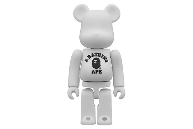 a bathing ape x medicom toy 100 bearbrick 2