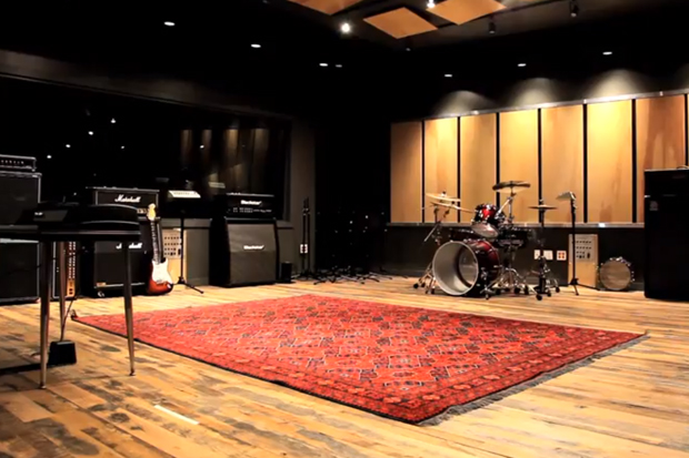 Converse Rubber Tracks Video