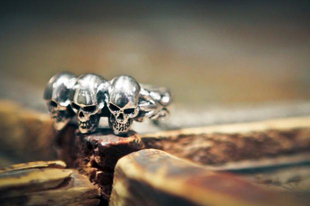 """Crazy Pig Designs """"Tudor 3"""" Skull Ring"""