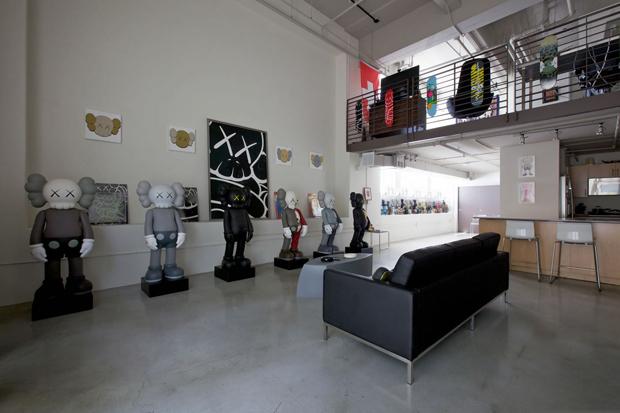 Pirovino KAWS Collection