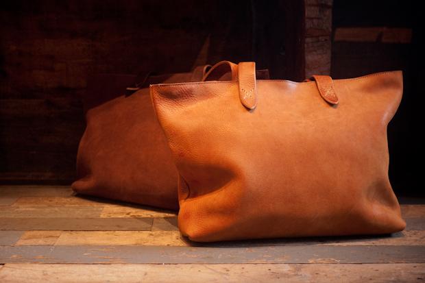 Roberu Ground Leather Tote