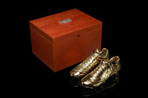 Ronaldo x Nike Soccer Gold Mercurial Boot