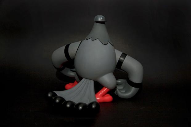 staple design x adfunture bellator columbidae figurine