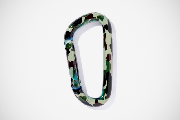 A Bathing Ape 1st CAMO CARABINER
