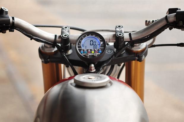 Classified Moto XV920