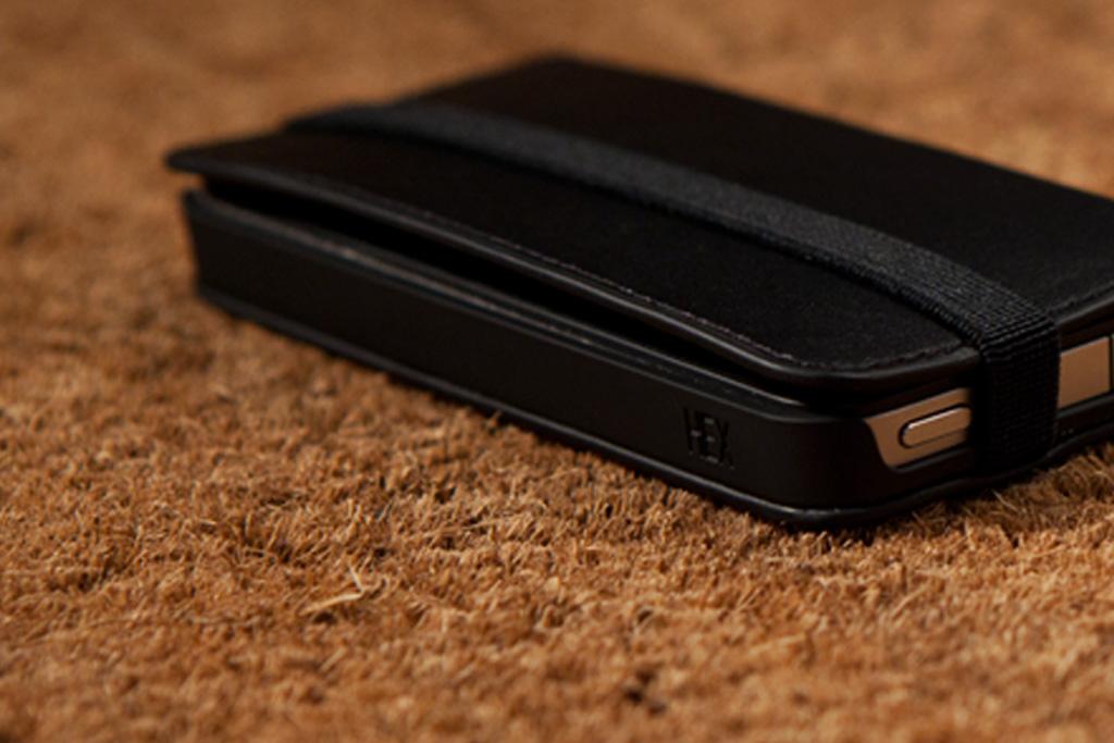 HEX Code Wallet for iPhone 4