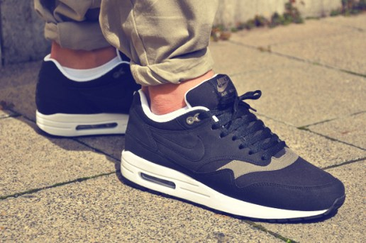 "Nike Air Max 1 ""Black Smoke"""