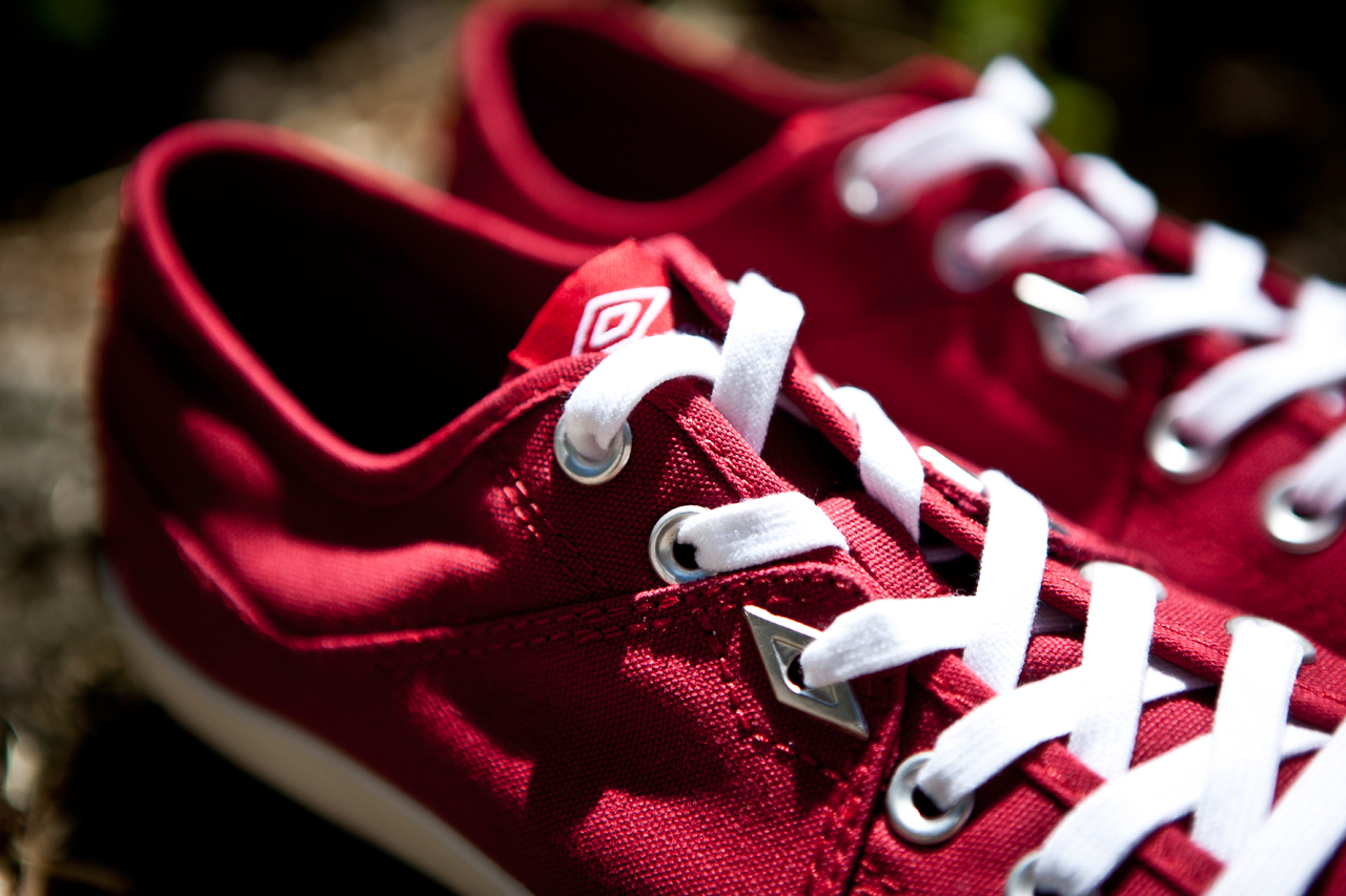 Umbro Red Milton Canvas
