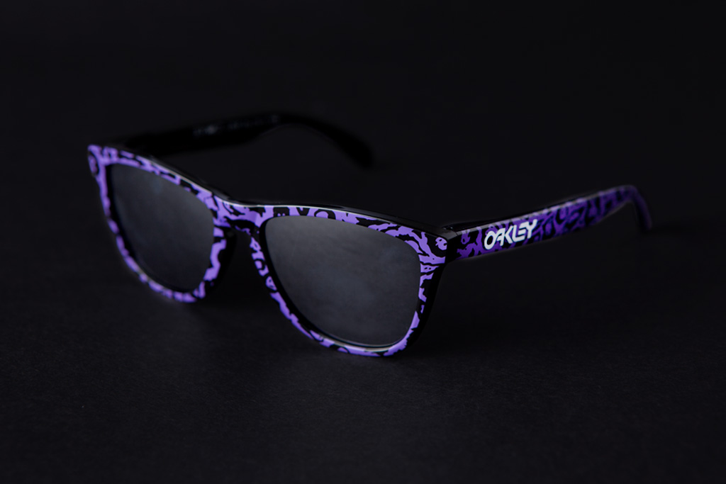 3.V.O.7.  x Oakley Frogskins
