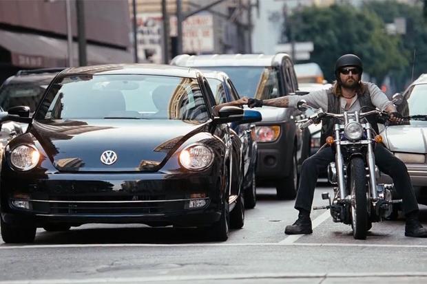 """2012 Volkswagen Beetle """"High Five"""" Commercial"""