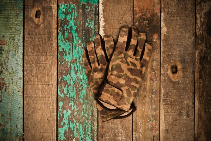 A Bathing Ape 1ST CAMO LEATHER GLOVE