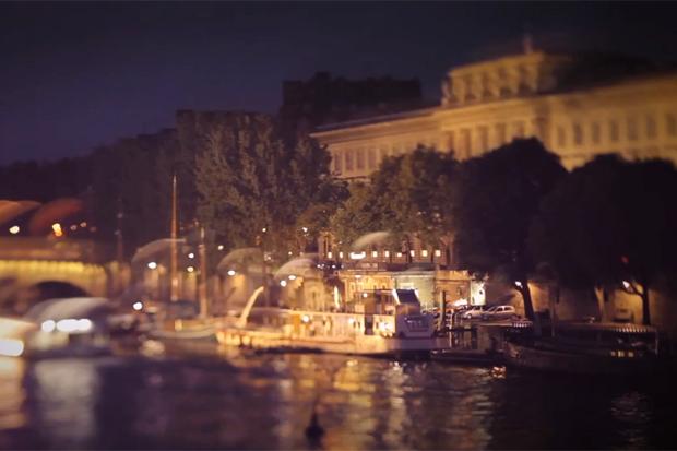 Louis Vuitton City Guide 2012 - Paris & Perfumes