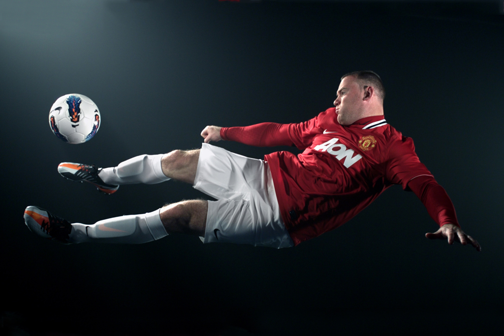 Nike T90 Laser IV: Wayne Rooney's Perfect Strike
