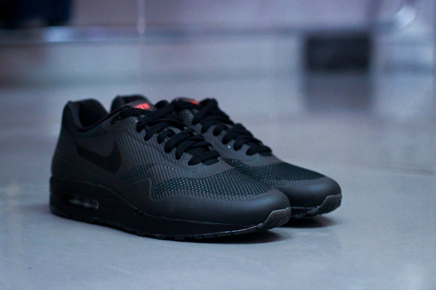 "NIKEiD for England Rugby ""NEW BLOOD"" Air Max 1 Hyperfuse"