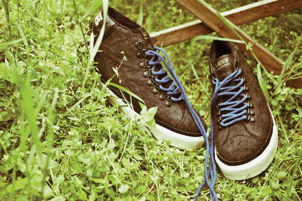 Vans California 2011 Holiday Mid Skool '77 CA Hiker Pack
