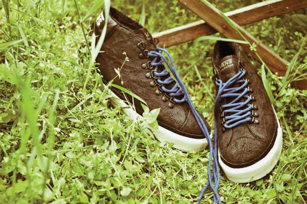 Vans California 2011 Holiday Mid Skool '77 CA Hiker Pack