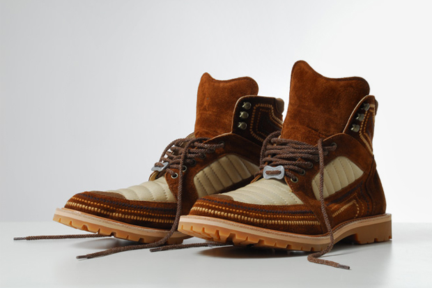 White Mountaineering Norgay Embroidered Mountain Boots