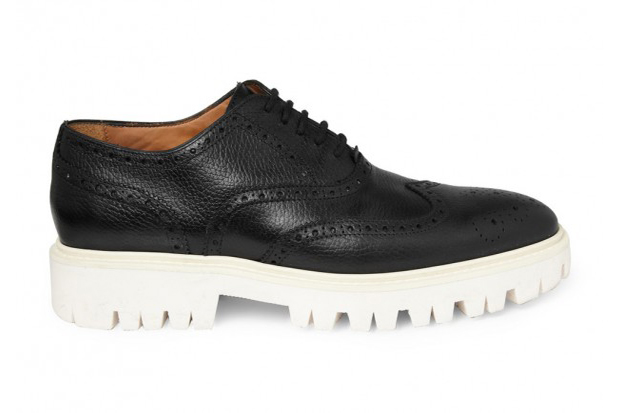 burberry contrasting sole leather brogues
