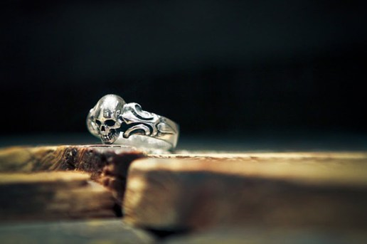 "Crazy Pig Designs ""Tudor 1"" Skull Ring"