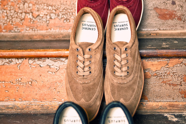 "Generic Surplus 2011 Fall ""The Wingtip"""