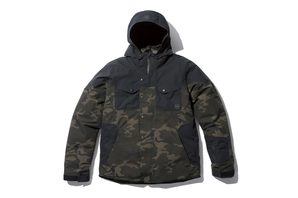 SOPHNET. FsF Camouflage Down Jacket
