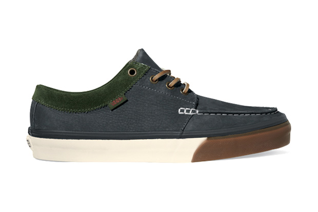 Vans California 2011 Holiday 106 Moc