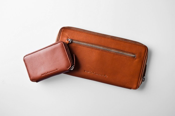 WANT Les Essentiels de la Vie 2011 Holiday Bi-Fold Zip Wallet & Card Holder