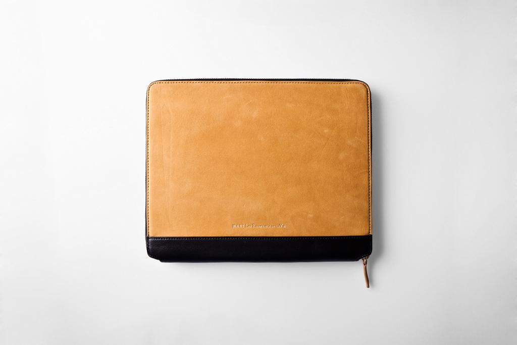 """WANT Les Essentiels de la Vie 2011 Holiday """"NARITA"""" iPad 2 Case"""