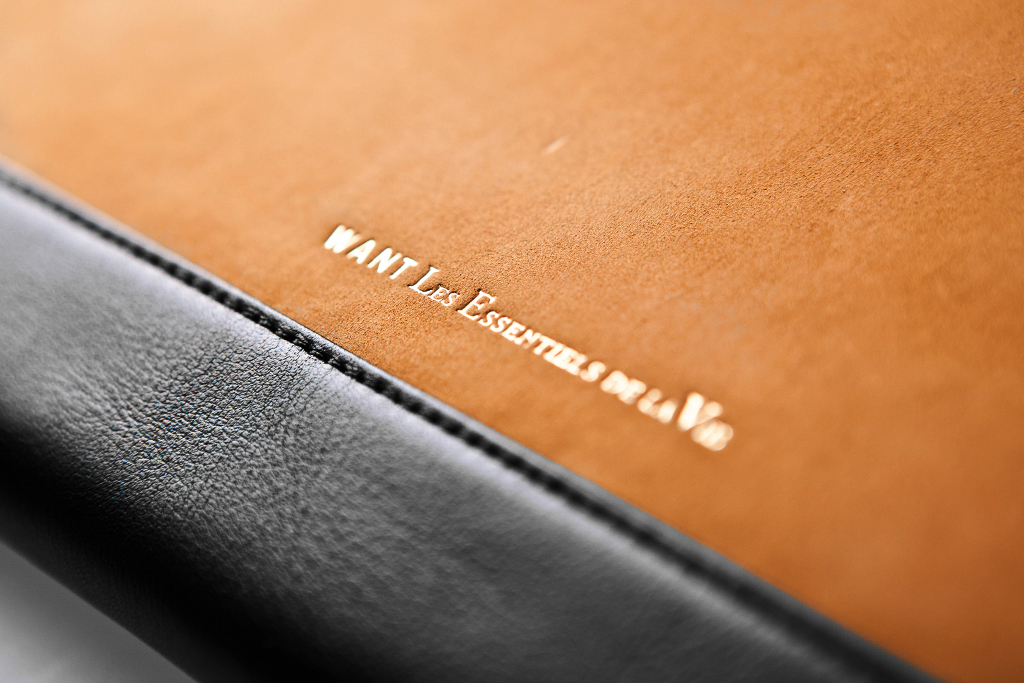 "WANT Les Essentiels de la Vie 2011 Holiday ""NARITA"" iPad 2 Case"