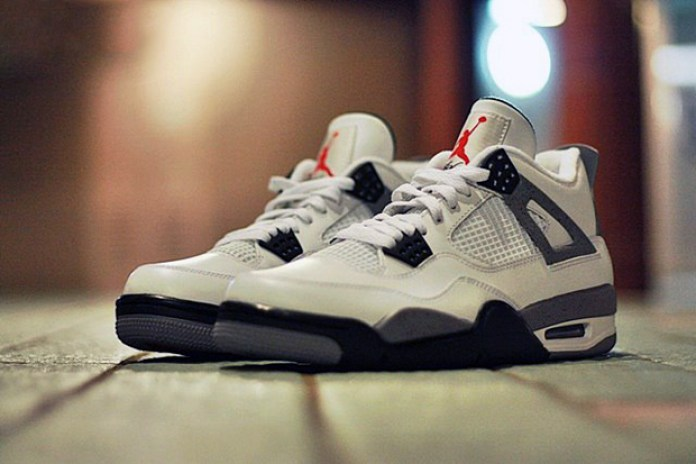 Air Jordan IV 2012 White/Cement Grey Retro Preview