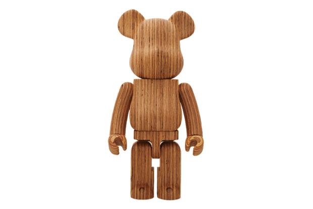 Karimoku x Medicom Toy World Wide Tour 2 Bearbrick 1000%
