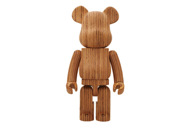 karimoku x medicom toy world wide tour 2 bearbrick 1000