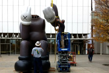"""KAWS """"Down Time"""" Exhibition Companion Install @ High Museum of Art"""