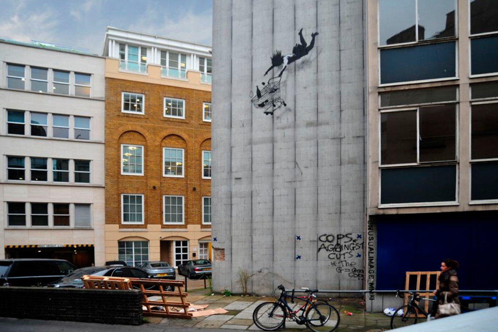 "New Banksy Works in London ""Shop Till You Drop"""