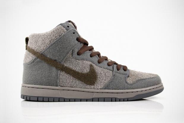 Nike SB Dunk High Premium Tauntauns