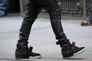 Nike Sportswear Air Yeezy 2 Black/Pink Closer Look