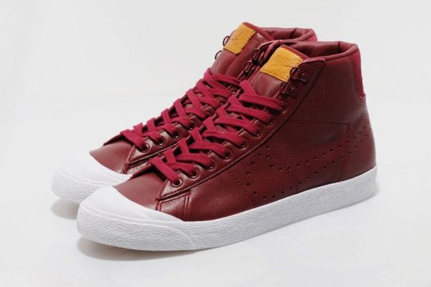 nike sportswear all court mid size exclusive
