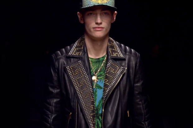 Versace for H&M 2011 Fall/Winter Runway Video