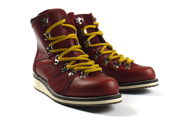 White Mountaineering Odell Mountain Boots