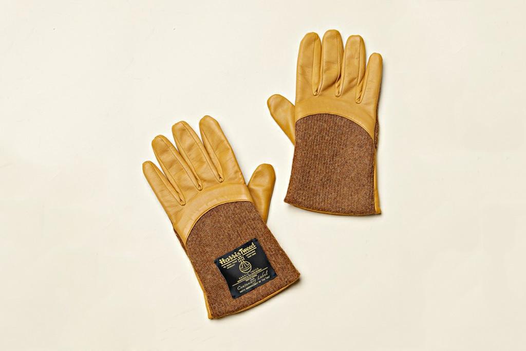 COSMIC WONDER Light Source MEN x Harris Tweed Gloves